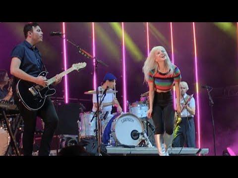Paramore - Ain't It Fun @ Rock for People 2017, Czechia
