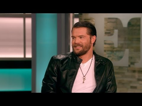 'HTGAWM' Star Charlie Weber on  Secrets and His A&F Modeling Past