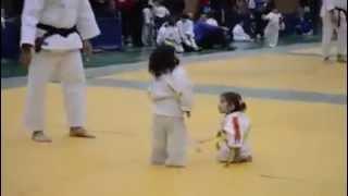 España: La pelea de judo más adorable de la historia | VIDEO ORIGINAL HD