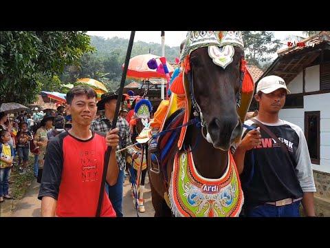 Kuda Renggong Ingat Kampung Halaman