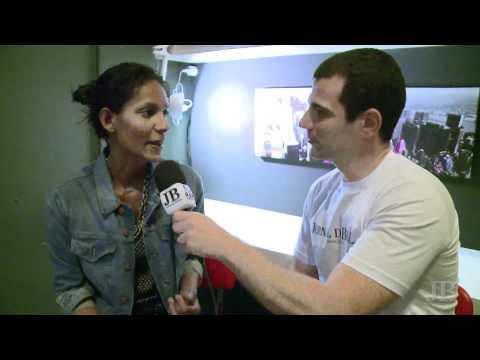 Andre Sank entrevista Emanuela De Paula - JB
