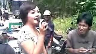 Download Video Candoleng ndoleng keliling hot abiiis MP3 3GP MP4