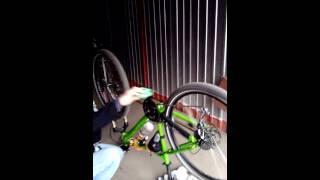 Вело вело штуки (подготовка к настройке переключения скоростей на велосипеде)(В данном видео расскажем как правильно подготовиться к настройке переключения скоростей велосипеда., 2015-04-14T09:35:57.000Z)