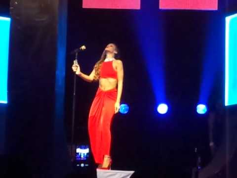 Rihanna Live Diamonds World Tour Philadelphia 2013 love and affection love song