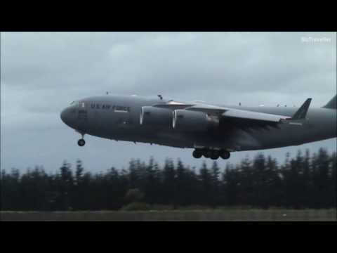 John Kerry arrives from Antarctica on USAF Boeing C 17 Globemaster III  at Christchurch 12 November