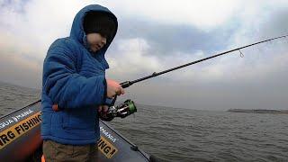 Рыбалка с СЫНОМ Крупный ОКУНЬ готовим на ОСТРОВЕ