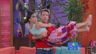 ¡Mela hizo un casting! Carlos Ponce no tuvo otra que besarla