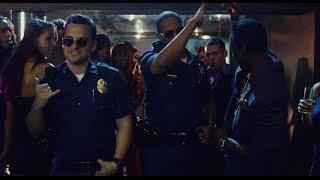 Мы закон, сучка, новые шерифы в городе - Типа копы.