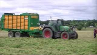 fendt 716 with a malone silage wagon
