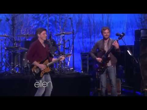Kings of Leon Perform 'Wait for Me'2735