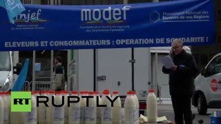 France: Dairy farmers call for end to Russian embargo during Paris protest(Dairy farmers handed out milk to Parisians outside the Montparnasse station in the French capital, Tuesday, as part of a demonstration over the crisis affecting ..., 2016-04-26T12:49:57.000Z)