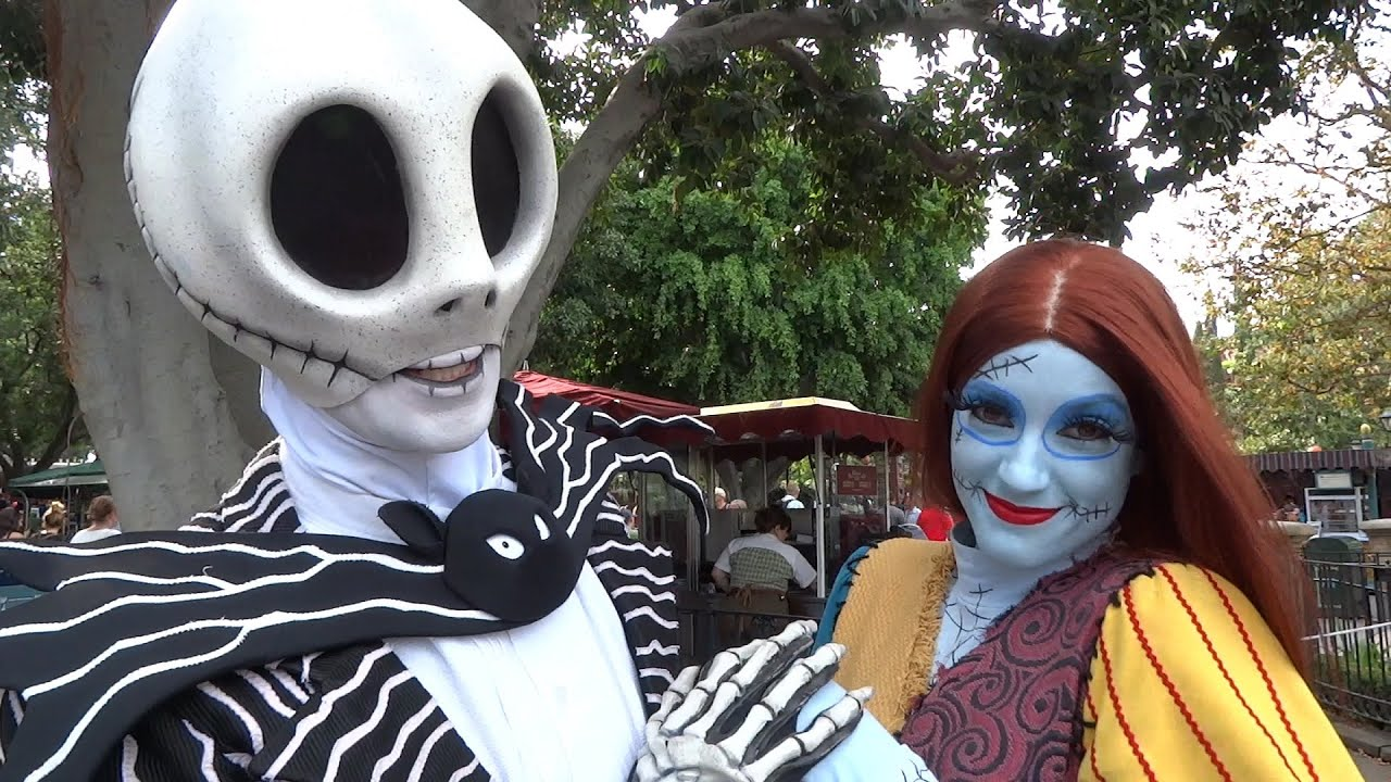 Jack Skellington And Sally Meet And Greet With Short