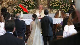 The bride harshly avenged the groom for treason right at the altar