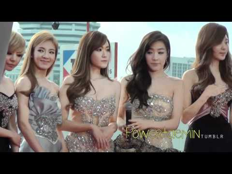 SNSD: Arrival at Red Carpet @ MAMA (2011.10.29)