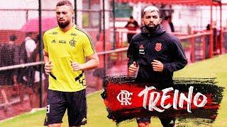 Flamengo treina antes de viajar para a estreia da Libertadores