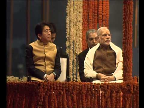 PM Modi and Japanese Prime Minister Shinzo Abe attend Ganga Aarti in Varanasi