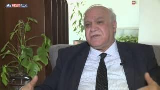 انخفاض الدينار يزيد معاناة العراقيين