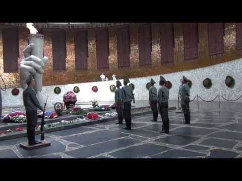 Stalingrad, Mamaev Kurgan, Changing of the Guard\Сталинград,