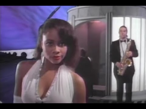 "Chicago - ""I Don't Wanna Live Without Your Love"" (Official Music Video)"