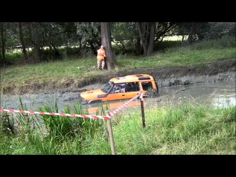 Orange Discovery 1 - Mud Run - Billing Land Rover Fest 2015
