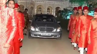 Repeat youtube video Chowmahalla Palace Hyderabad Wedding of the Mujaddady's 2011