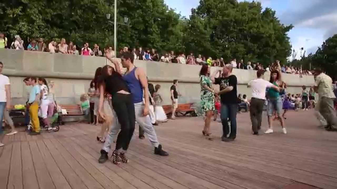 Видео танец юношей выпускников на выпускном 11 класса под секси
