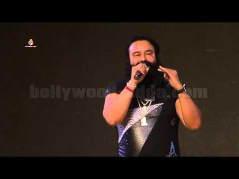 Saint Gurmeet Ram Rahim Singh Ji Insan LIVE Singing On Stage - Dada Saheb Phalke Awards 2016!!!