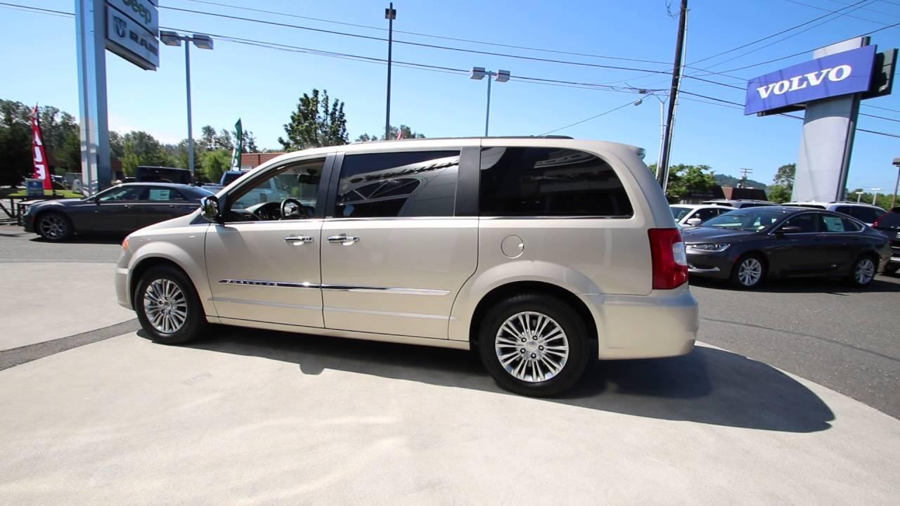 2013 Chrysler Town   Country Touring-L  801edd43588