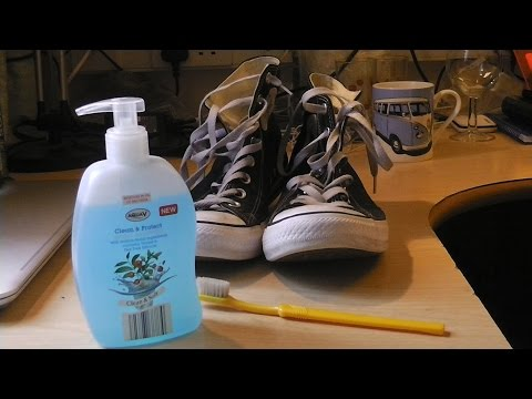 TUTORIAL: How to Clean Converse
