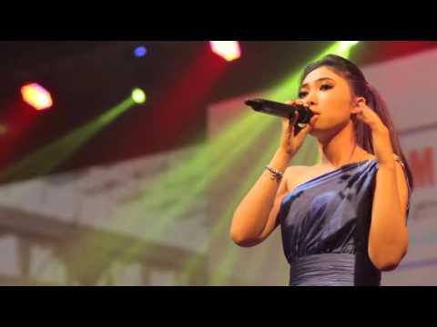 Cover Lagu Isyana Sarasvati - Live - Tetap Dalam Jiwa Live New Arrangements