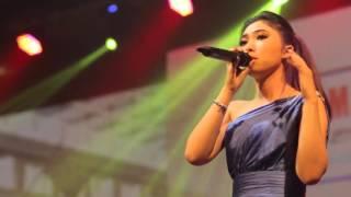 Download Isyana Sarasvati - Live - Tetap Dalam Jiwa (live) new arrangements