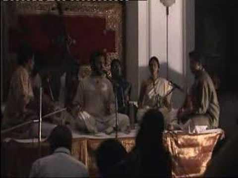 Kadam Chale Aage (Saigal)