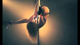 Красивый танец на шесте(Пластичная девушка очень красиво танцует на шесте., 2011-10-14T12:24:59.000Z)