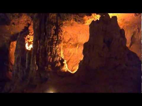 Off Road Adventure Safaris - Australian Safari, Day 2 - Abercrombie Caves - Djoser Tour.avi