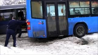 Ikarus 405-ös a király!? - Schneekaos in Budapest - Snow chaos - Volvo bus in the snow