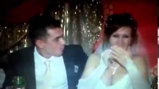 Прикол на свадьбе жжет невеста огонь, жених в шоке