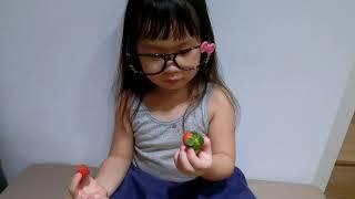 Cherry hướng dẫn ăn dâu   Gia Đình Lý Hải Minh Hà