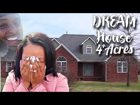 "TRUCK DRIVER SURPRISING HIS WIFE WITH HER DREAM HOUSE ""SHE STARTS CRYING"""