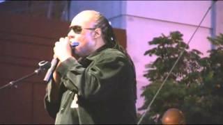 El DeBarge performs