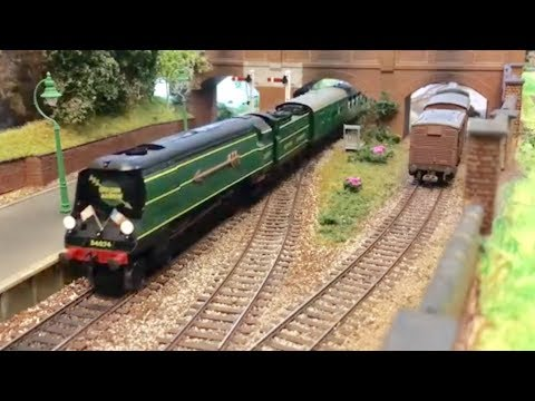 Model Trains 55 – DC kits/Locoman West Country/Battle of Britain Bulleid Light Pacific sounds