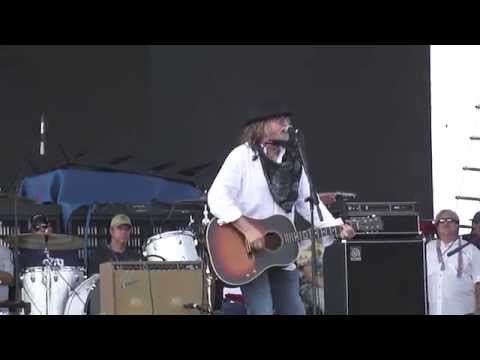 Ray Wylie Hubbard ~ Up Against the Wall Redneck Mother ~ Willie Nelson Picnic (2014)