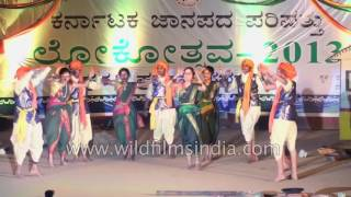 South Indian artists dance to Roti Bissi song