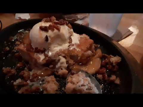 Caramel Apple Blondie Applebees Restaurant Dessert Review