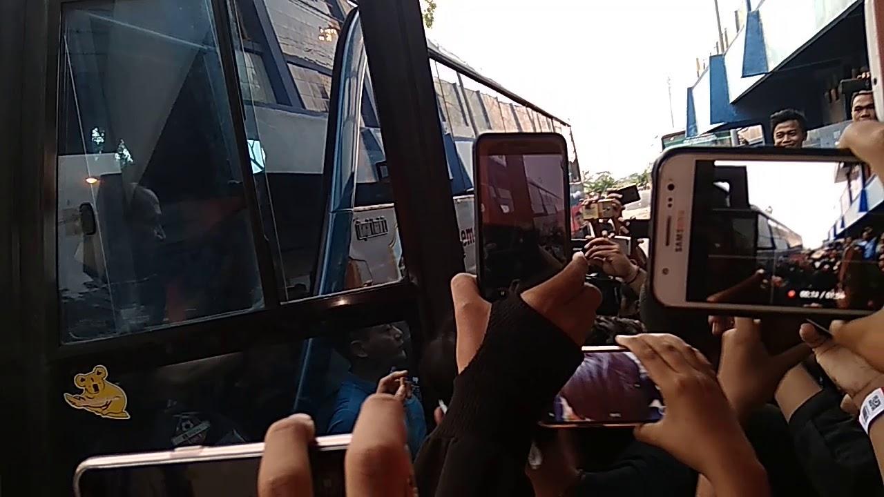 The Arrival Of The Home Team Shopee Liga 1 Pekan Ke 13
