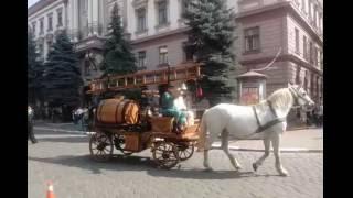 Франківцям показали як виглядали пожежники Станіславова до 1924 року(, 2016-09-14T11:38:00.000Z)