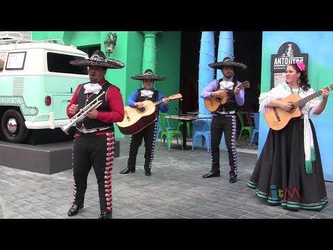 Antojitos mariachi band covers Bruno Mars
