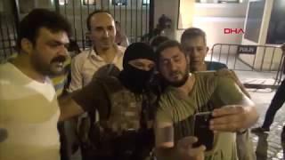 Скачать 15 Temmuz Gecesinin DHA Kamerasına Yansıyan En çarpıcı Görüntüleri