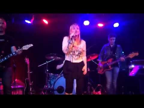 Kay Hanley performs 'Awake' by Letters to Cleo, 04.26.14