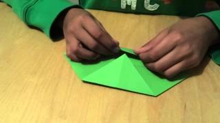 Origami Instructions: How to make an holly Leaf