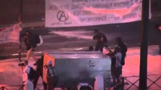 Полиция разгоняет протестующих в Афинах слезоточивым газом и шумовыми гранатами(РЕПОСТИМ, СТАВИМ ЛАЙК И ПОДПИСЫВАЕМСЯ!!! Смотрите самые Последние,свежие,новые, актуальные новости дня...., 2015-07-15T20:08:35.000Z)